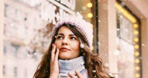 Frostige Temperaturen? Mit der richtigen Pflege von innen und außen ist die Haut gut geschützt. Foto: djd/Elasten-Forschung/Adobe Stock/galinka_zhi