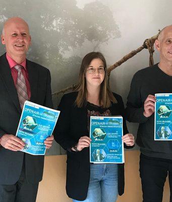 von links: Stefan Paulus (1. Bürgermeister), Marina Höhn (Kulturbeauftragte der Gemeinde Knetzgau) und Wolfgang Heyder (Veranstaltungsservice Bamberg). Foto: Veranstaltungsservice Bamberg