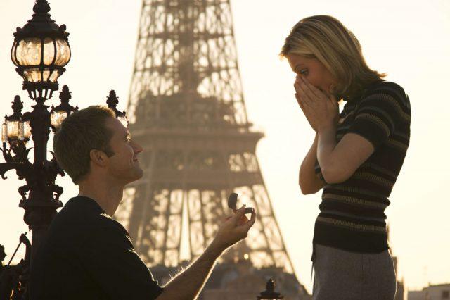Der Heiratsantrag ist auf viele Art und Weisen möglich. Foto: www.weddix.de