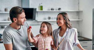 Gentest/Genanalyse: Gut versorgt mit vitaminreichem Gemüse, gesunden Fetten und der richtigen Menge an Proteinen und Kohlenhydraten: Das ist auch in vielen Familien ein wichtiges Thema. Foto: djd/Leichter Leben/Valerii - stock.adobe.com