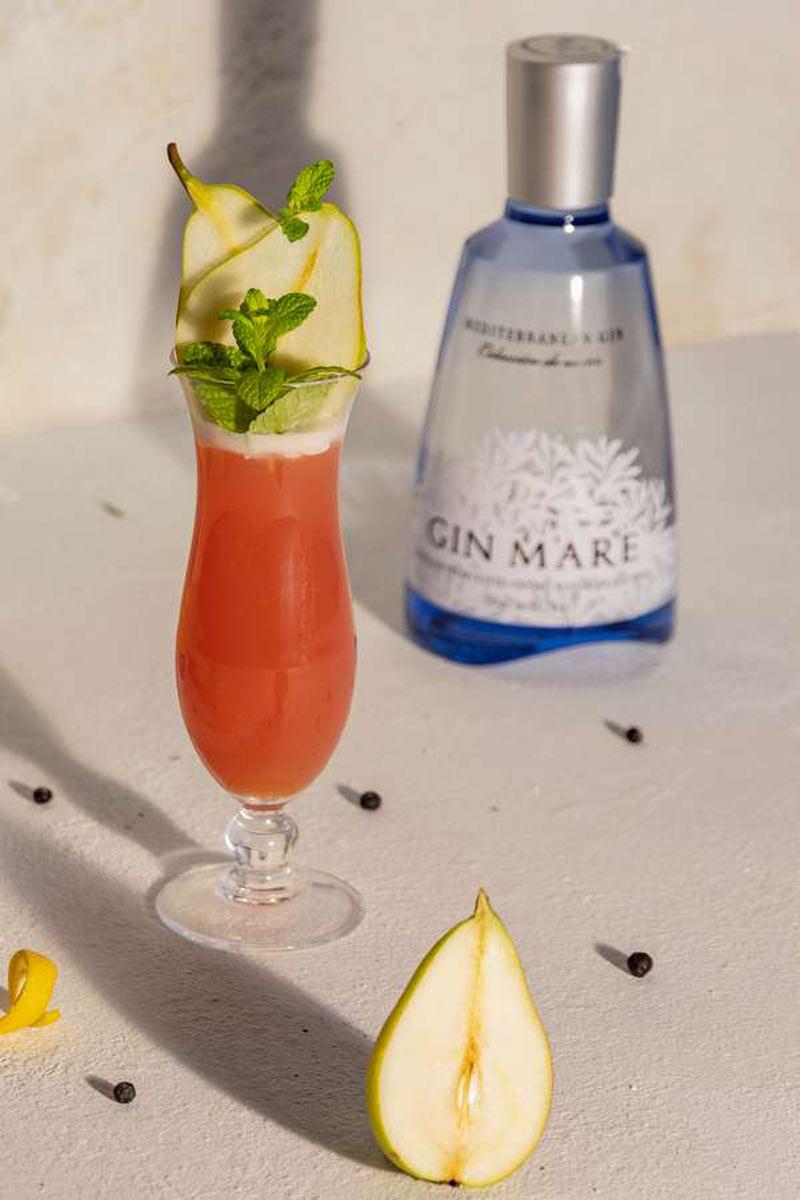 Beim Cocktail Maremory treffen Fruchtigkeit und eine feine Bitternote aufeinander.
