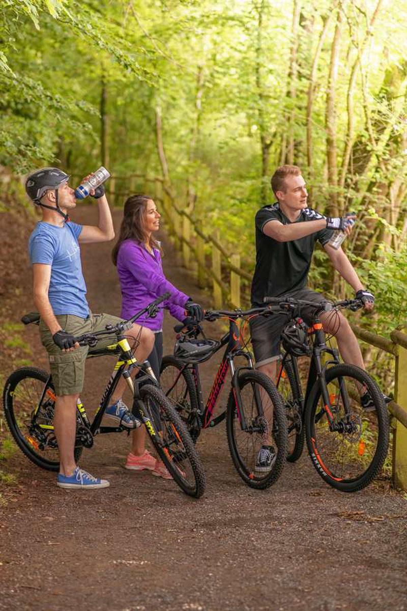 Kohlenhydrate: Sport tut Körper und Geist gleichermaßen gut. Noch mehr Spaß macht die Bewegung, wenn die Freizeitsportler auf eine ausgewogene Ernährung achten.
