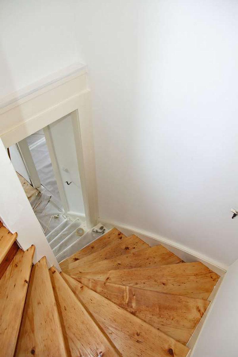 Bei Renovierungsarbeiten in älteren Häusern können Schadstoffbelastungen als unangenehme Überraschung zutage treten.