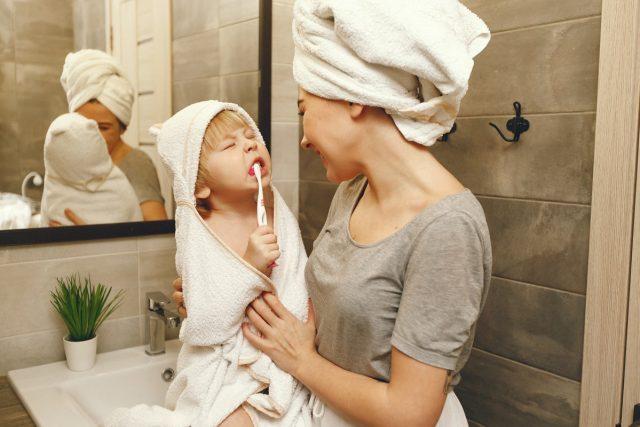 Gesund im Mund. Richtige Zahnpflege fängt schon im Kindesalter an