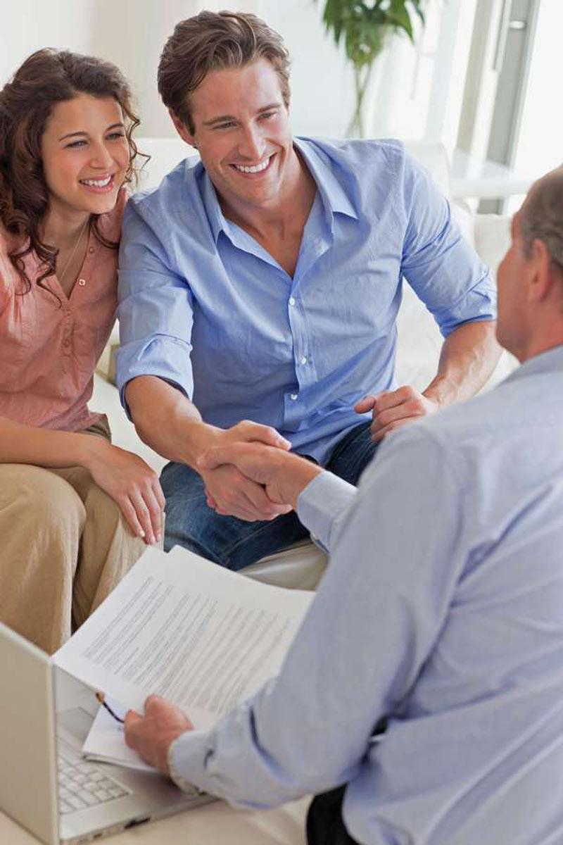 Lohnt es sich trotz steigender Immobilienpreise noch, in Betongold zu investieren? In jedem Fall ist eine individuelle Beratung empfehlenswert.