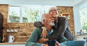 Viele Ältere haben den Großteil ihres Vermögens im eigenen Haus angelegt. Über eine Leibrente können sie davon profitieren, ohne die vertraute Umgebung aufzugeben. Foto: djd/www.immoverkauf24.de/bernardbodo - stock.adobe.com