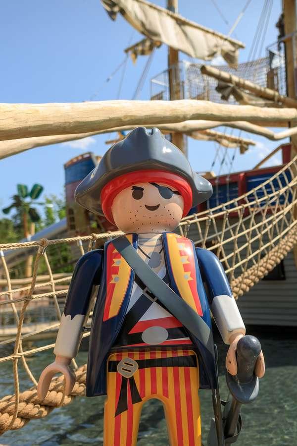 Als Freibeuter die Piratenwelt des Freizeitparks entdecken.