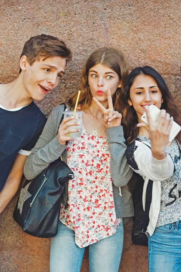 Erst einmal ins Ausland: Immer mehr junge Leute nutzen die Zeit bis zum Studium oder bis zum Start der Berufsausbildung für einen ausgedehnten Aufenthalt in der Fremde. Foto: djd/ERGO Reiseversicherung/MauritiusIimages/Maskot