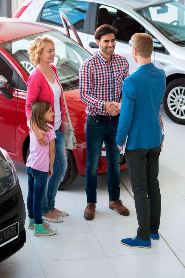 Mit der Online-Checkliste das Wunschfahrzeug ist gefunden, wenn der neue Gebrauchte allen Familienmitgliedern gefällt.