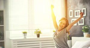 Nachtruhe: Morgens entspannt und erholt aufwachen - Betroffenen von Schlafproblemen bleibt das oft verwehrt.