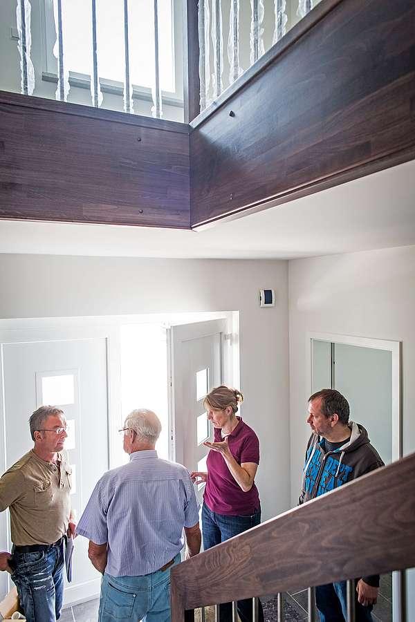Verbraucherschutz: Ein bundesweites Netz von unabhängigen Bauherrenberatern und Vertrauensanwälten hilft Bauwilligen, ihr Bauziel sicher zu erreichen.