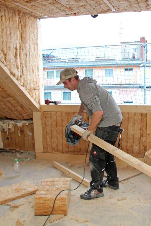 Dachgeschoss: Experten aus dem örtlichen Holzhandwerk können den Dachausbau professionell und zügig realisieren.