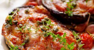 Melanzane alla parmigiana (Auberginen mit Parmesan)