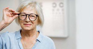 Einer guten Sehkraft im höheren Alter kann man mit einer ausgewogenen Ernährung auf die Sprünge helfen. Foto: djd/Lebensmittelverband Deutschland/rh2010 - stock.adobe.com