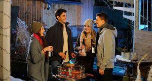 Der Trend geht zum Wintergrillen: In kleinen Gruppen und im engsten Freundes- und Familienkreis feiern und dabei kulinarische Köstlichkeiten vom Rost genießen. Foto: djd/Brauerei C. & A. Veltins