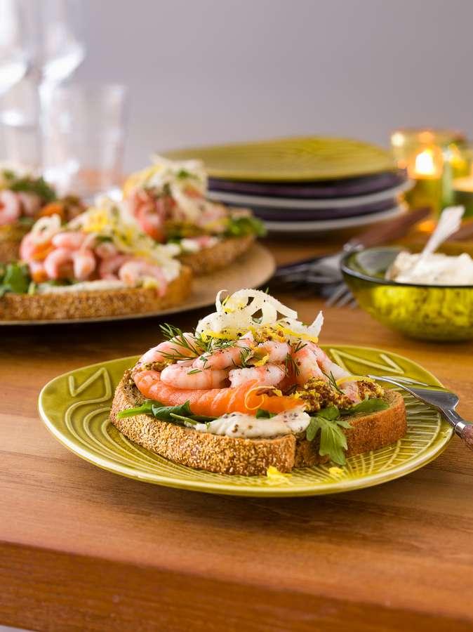Ein Fest für die Gäste: Köstliche Häppchen zu den Feiertagen servieren.