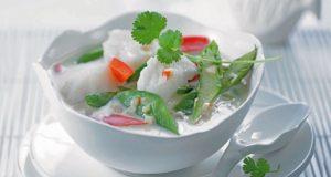 Scharfe Kokossuppe mit Youkon-Kabeljau